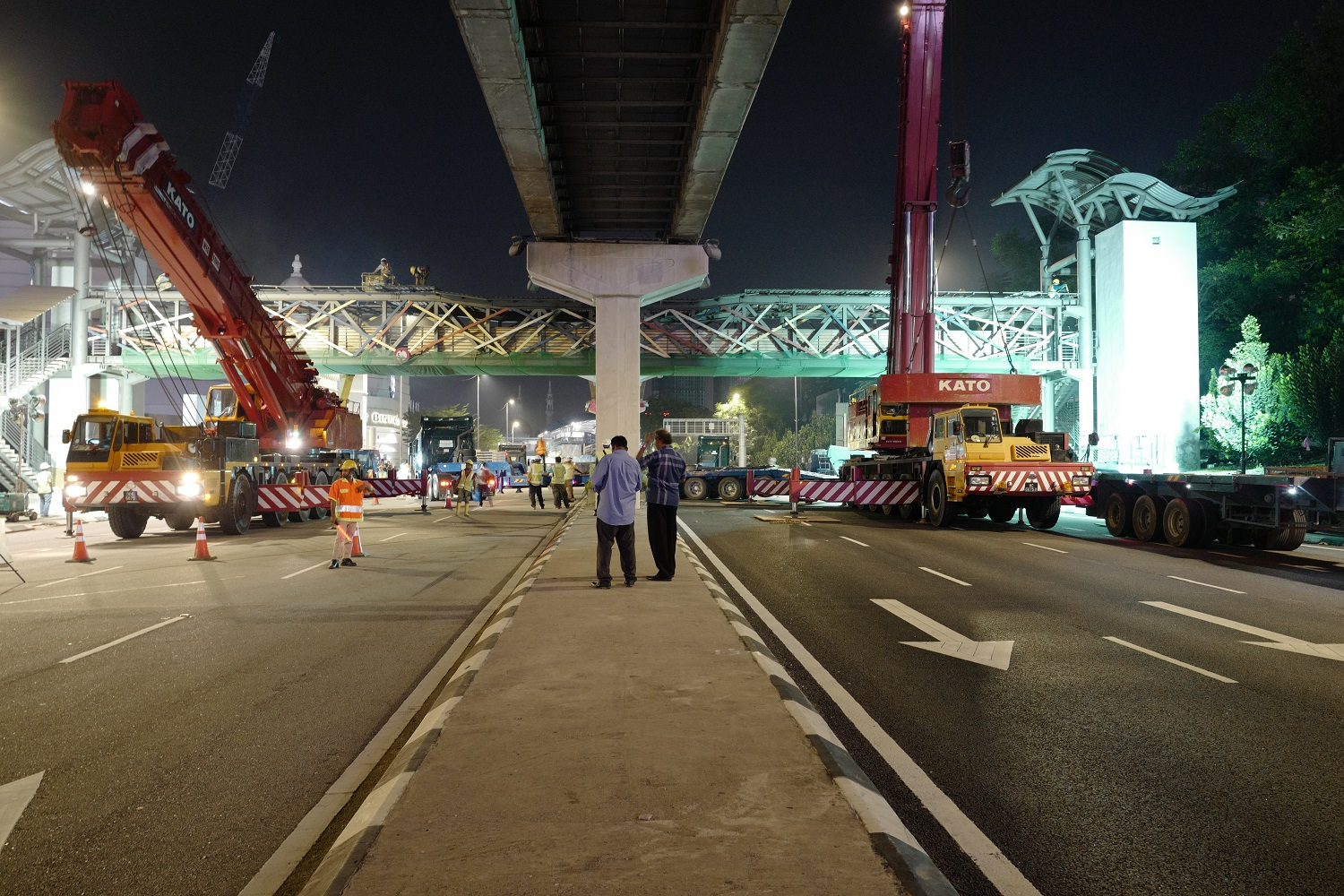 40m Pedestrian Steel Bridge Take down